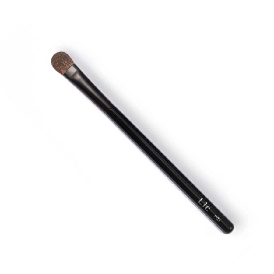 Кисть P03 для нанесения теней на верхнее веко плоская NEW/ Makeup Artist Brush P03 NEW
